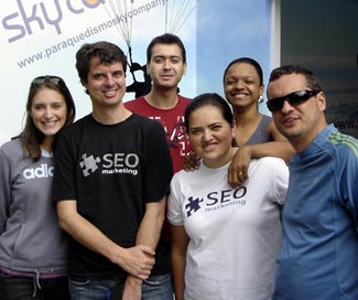 Salto de Paraquedas da SEO Marketing